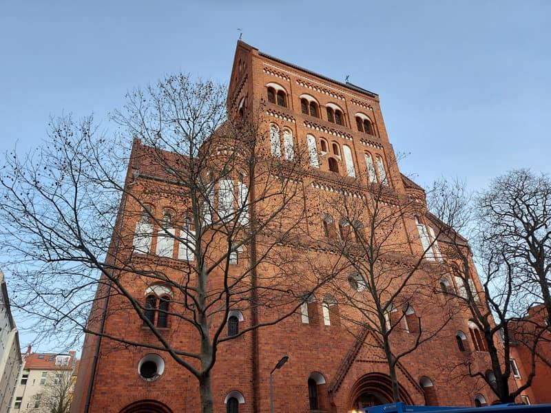 Kulturbüro Dr. Lore Gewehr - Berlin - Kirchenführungen, Vorträge & Präsentationen, Gruppen-Reisebegleitung - Rosenkranzfassade